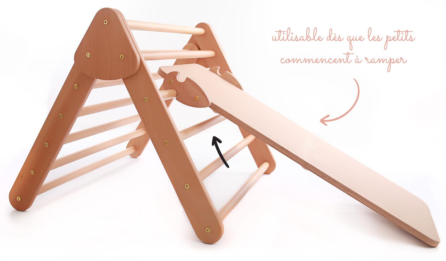 Triangle de Pikler utilisable pour les enfants en bas âge